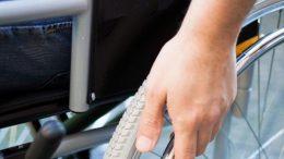 Une personne en situation de handicap
